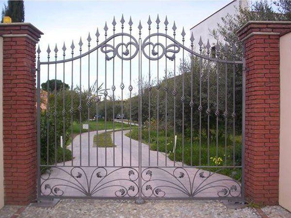 cancello in ferro battuto realizzato da SCALA BIAGIO SERRAMENTI di Milazzo (ME)