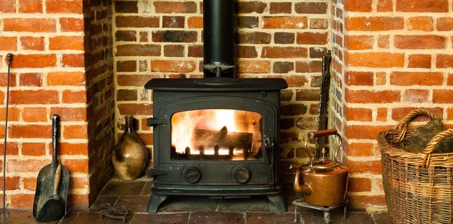 Installation of solid fuel stoves