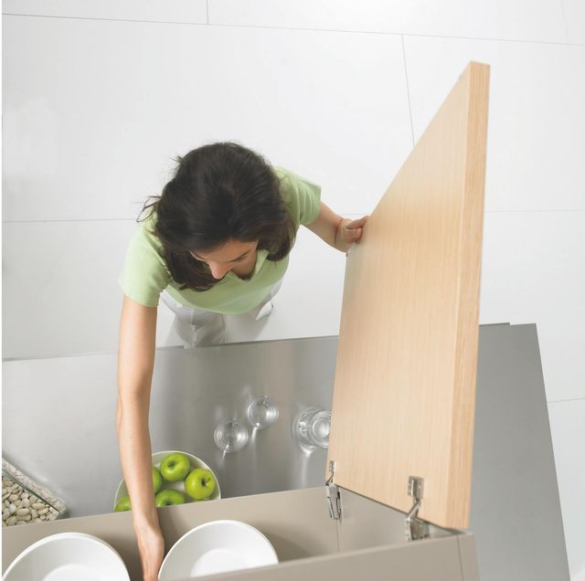 How To Clean Your Kitchen Cabinets, Cleaning Kitchen Cabinets With Dawn