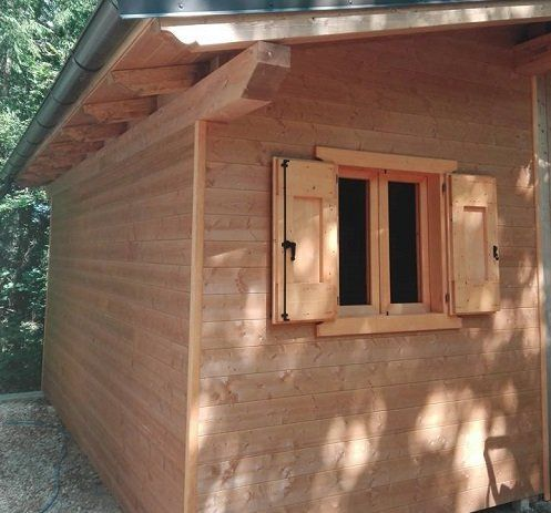 una casetta di legno