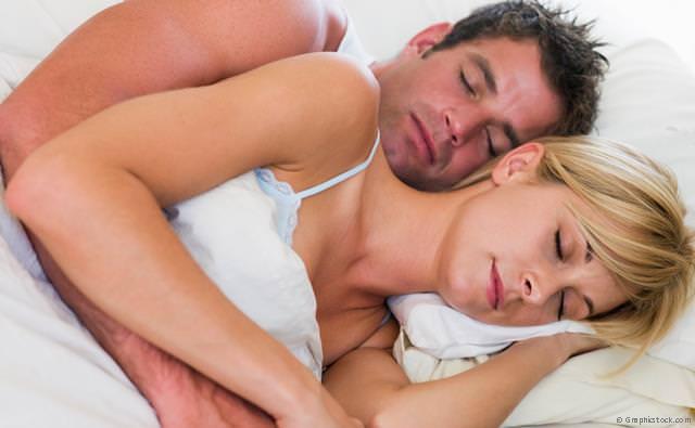 Geruhsamer Schlaf ohne Schnarchen mit zahnärztlicher und ärztlicher Hilfe