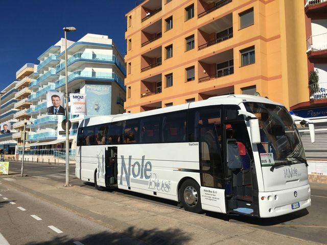 Bus da turismo bianco a Sassari