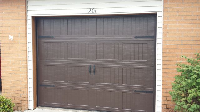 Attirant A Great Selection Of Garage Doors And Used Parts