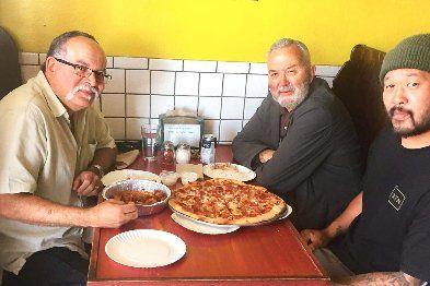 gianni's pizza meet buzz