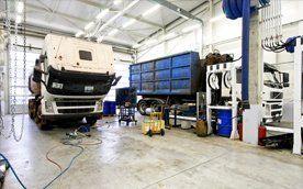 Professional truck repair and bus repair