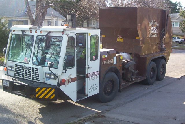 residential truck for recycling services in Lincoln, NE