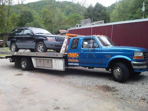 Car repairing truck in Adrian, PA