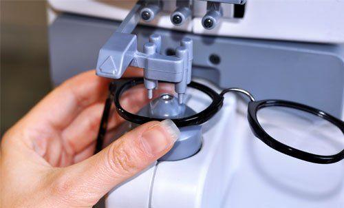 sistemazione occhiali da vista
