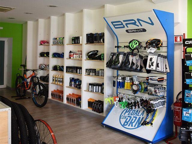 bicicletta in riparazione