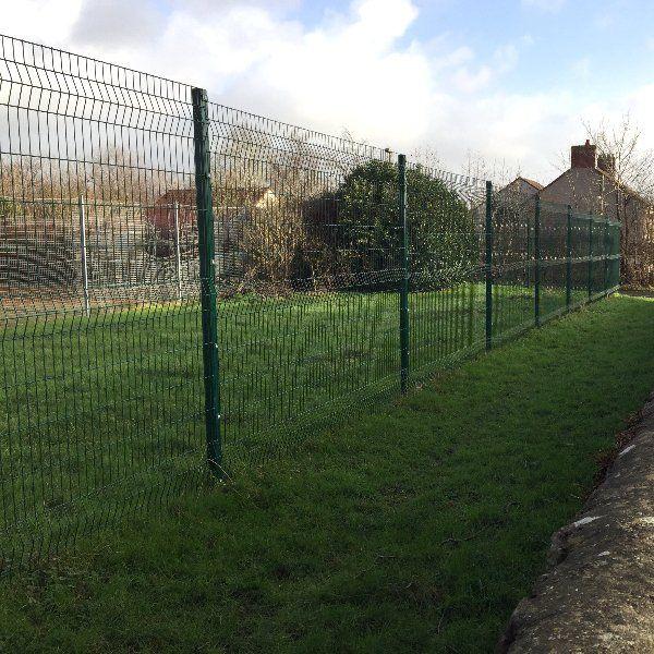 Steel mesh fencing