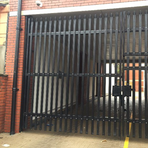 Palisade fencing with sharp edges that minimise possibility of intruders or vandals