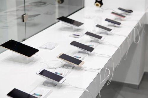 prodotti che troverete nel centro TIM vi:: telefoni cellulari e radiotelefoni, internet key e ricariche telefoniche.