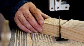 legno massello, sega elettrica, sbavatura