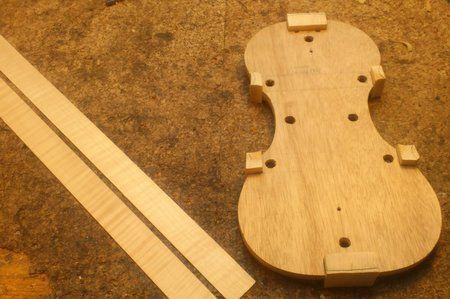 violin ribs and mold