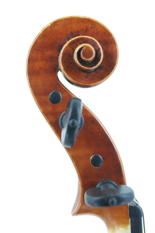 New violin scroll
