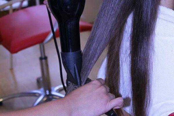 messa in piega per capelli lunghi