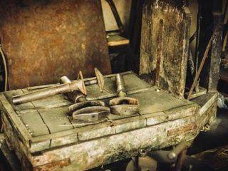chiavi e serratura antiche