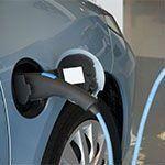 auto a gas durante il rifornimento