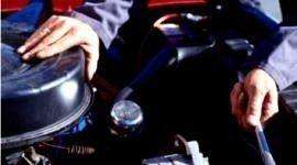assicurazioni, sostituzione pastiglie, installazione ricambi auto