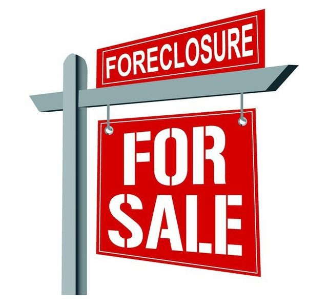 Foreclosure Sign Posted In Muscatine, IA