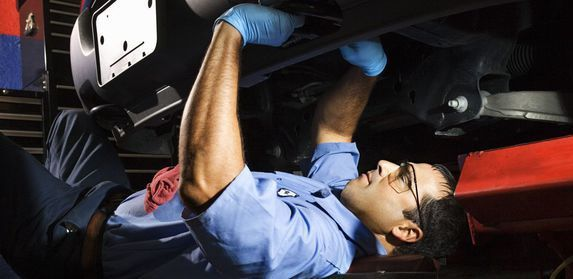 Transmission repair service being performed in Chillicothe, OH