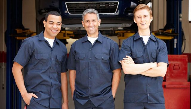 Our auto AC repair team in Chillicothe, OH