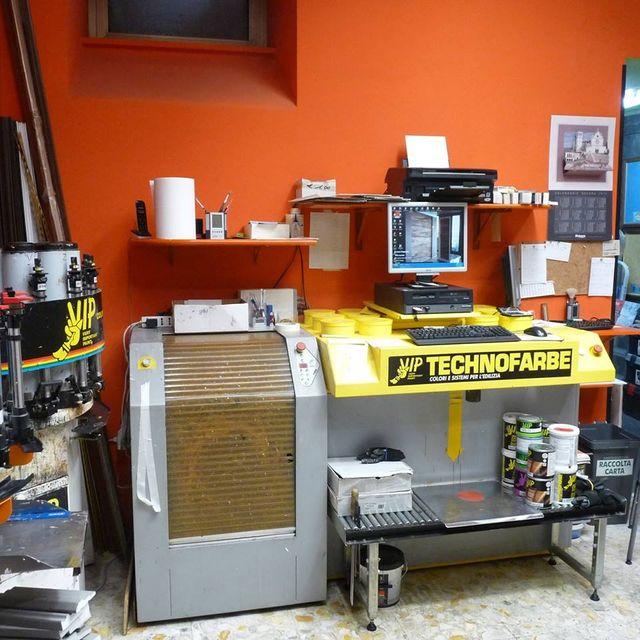 macchinari Technofabre con articoli per vernici