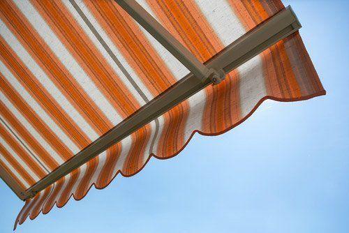 tenda parasole a righe
