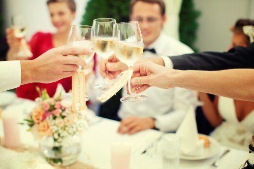 Un brindisi per gli sposini