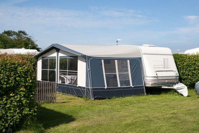 Seasonal pitches for caravan owners Hope: Laneside Caravan Park