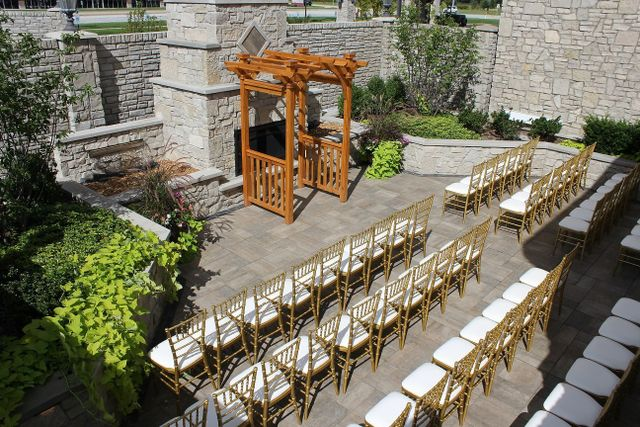 Outdoor Ceremony Near Chicago