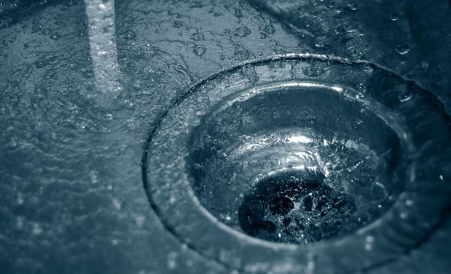 Water splattering after reliable plumbing services in Lexington, KY