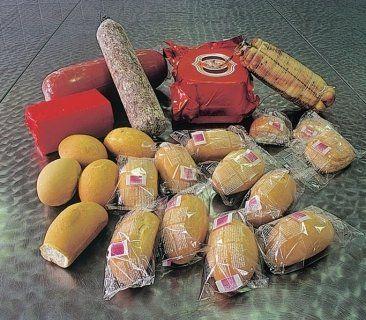 prodotti alimentari per aperitivi e snack