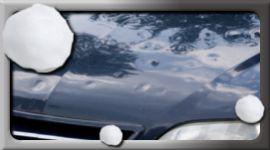 dettaglio anteriore auto blu