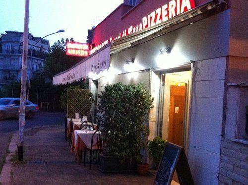 Esterno del Ristorante Pizzeria Sapori Di Casa a Roma