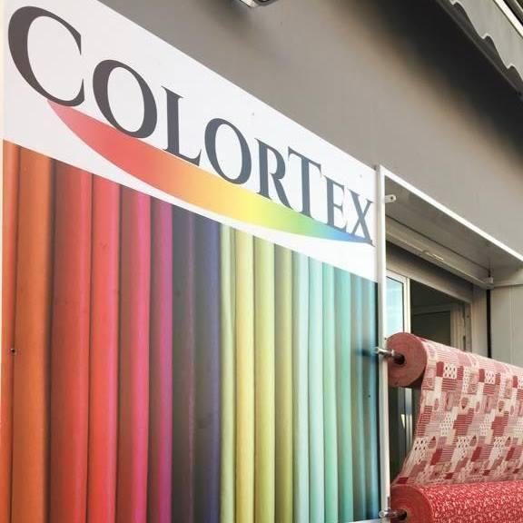 un pannello con il logo ColorTex