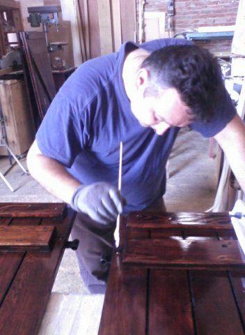 Arredamento artigianale per l'ufficio a Cento