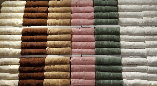 set di asciugamani pronti alla vendita