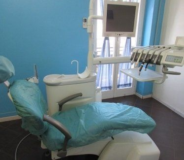 chirurgia implantare, riparazione protesi dentarie, rx endorale