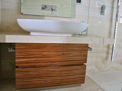 arredamento bagno in legno
