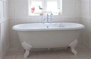 vintage design bath tub