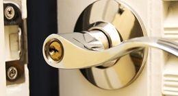 maniglia con serratura di sicurezza