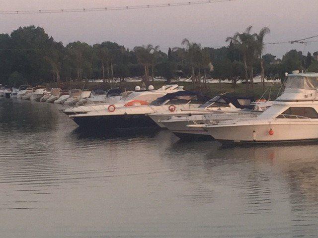 ormeggio di imbarcazioni