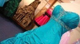 abito sposa azzurro, manichino