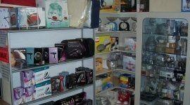 esposizione di accessori e ricambi originali