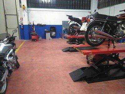 officina di motociclette