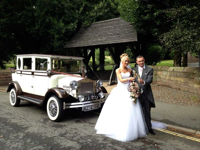 Luxurious wedding transportation based in Widnes