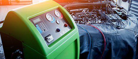 Servizio di condizionatore dell'automobile