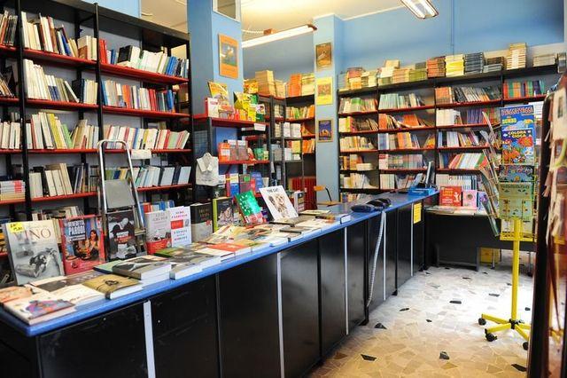 Interno libreria, vendita libri usati, acquisto libri usati