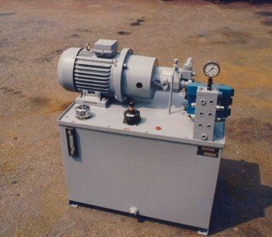 apparecchiature oleodinamiche, pompe per medie pressioni, pompe per alte pressioni